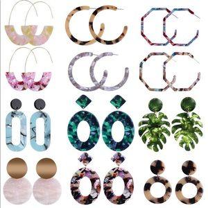 Set of 12 women's earrings